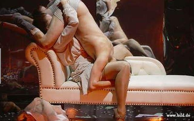 Arta sau porno. Piesa controversata pe scena unui teatru din Berlin.