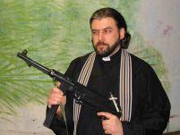 Popi înarmaţi. Poliţia din Rusia îndeamnă preoţii să îşi cumpere arme pentru a se apăra de hoţi