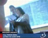 Premieră în învăţământ. O profesoară a fost concediată după ce a bătut o elevă