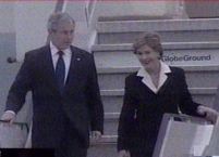 Air Force One a aterizat la Bucureşti. George W. Bush a sosit în România