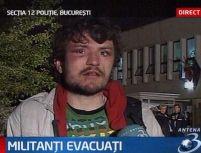 Mascaţi vs. militanţi anti-Nato. Zeci de români şi străini, reţinuţi de poliţie (VIDEO)