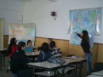 Un preot a tuns un elev de clasa a V-a în clasă, în timpul orei de religie