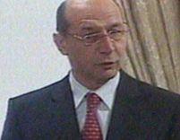 Băsescu: Vin din lumea almanahelor şi succesurilor, deci e greu să vorbesc corect