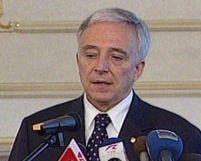 Guvernatorul BNR anunţă noi scumpiri la produsele alimentare de bază
