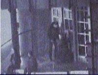 Patru cetăţeni maghiari, prinşi în timp ce spărgeau un bancomat