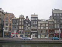 Olanda interzice fumatul în restaurante, cu excepţia produselor din cannabis
