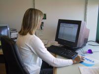 Doar un sfert dintre români beneficiază de acces la internet