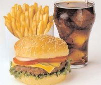 Ministerul Sănătăţii a întocmit lista cu alimentele nerecomandate elevilor