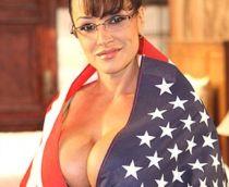 Film porno cu vicepresedinta Americii facand sex cu doi soldati rusi