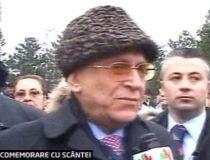 Ion Iliescu atacat cu monede la o ceremonie de comemorare a eroilor Revolutiei