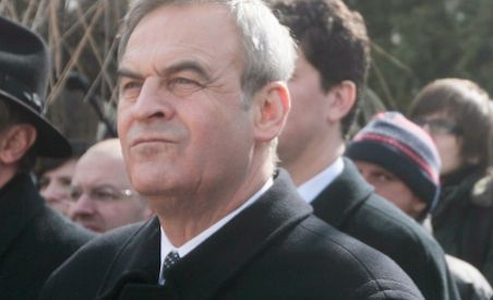 PNL: Preşedintele Băsescu ar trebui să-i retragă Ordinul Steaua României lui Laszlo Tokes (VIDEO)