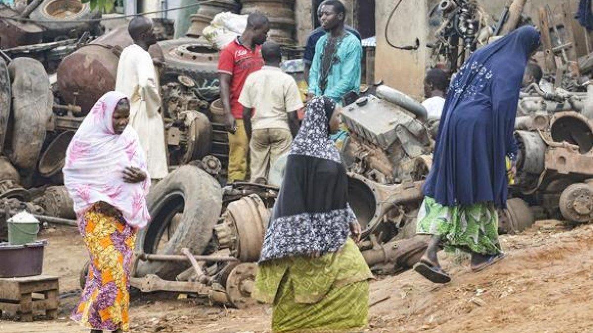 Femeie Cautare in Camerun