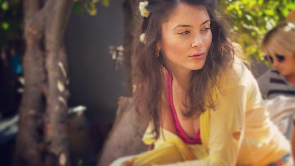 Anca Dumitra Nud o îndrăgită actriță de la noi, așa cum nu ai mai văzut-o