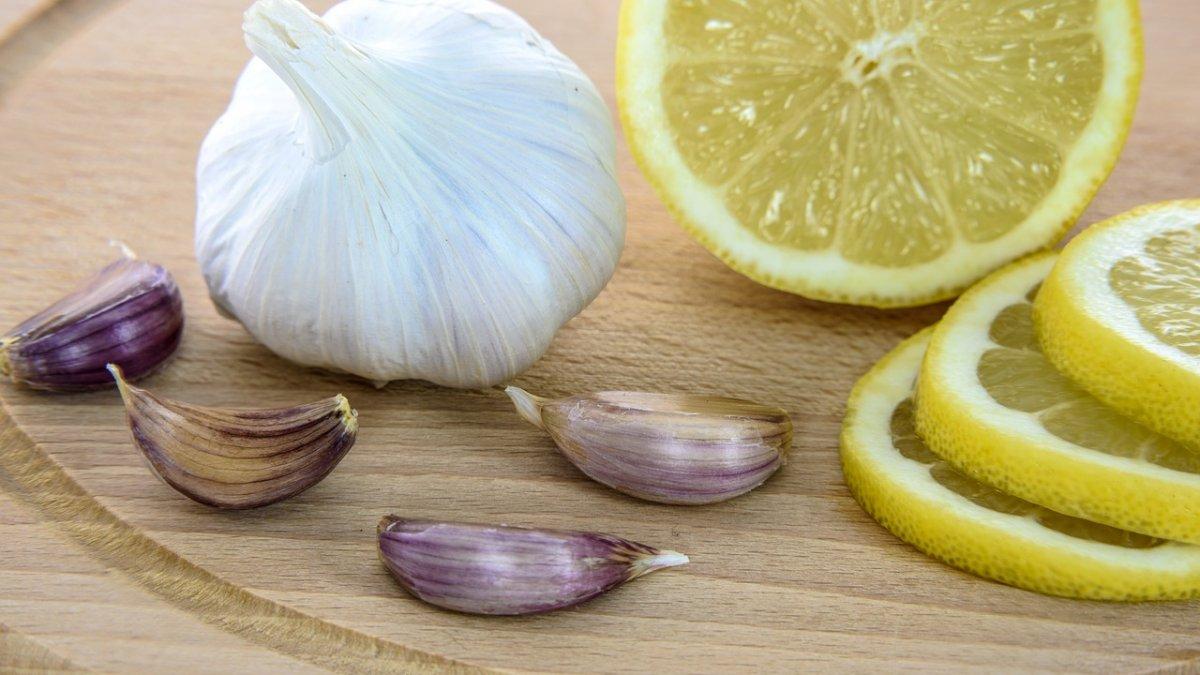 Alimente care curăță vasele de sânge de colesterol și reduc riscul de infarct