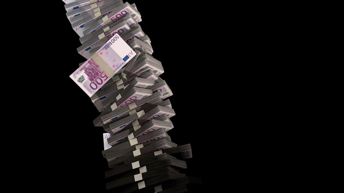 care câștigă bani în familie)