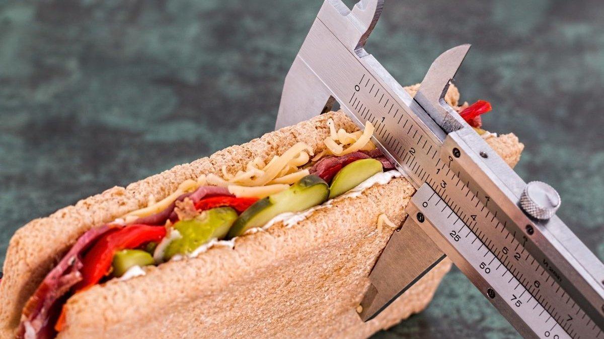 Slăbește mâncând porții mai mici - Mananca mai putin si vei slabi
