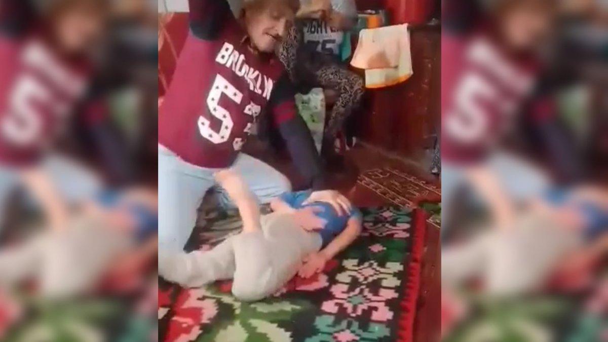 privirea copilului a căzut