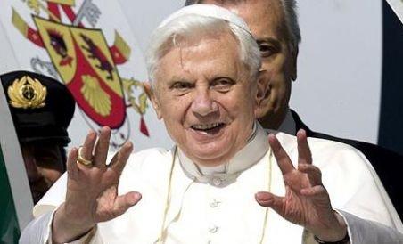 http://www.antena3.ro/thumbs/big/2010/10/04/papa-le-a-spus-locuitorilor-siciliei-sa-nu-cedeze-tentatiilor-mafiei-78488.jpg