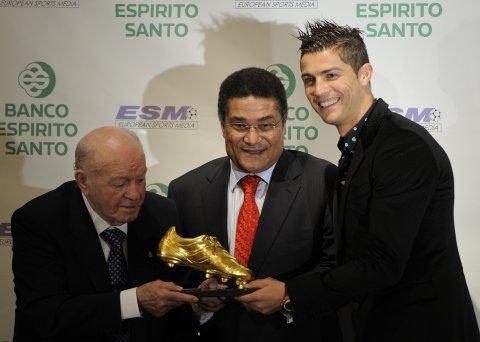 Cristiano Ronaldo A Primit Trofeul Gheata De Aur Pentru Sezonul 2010