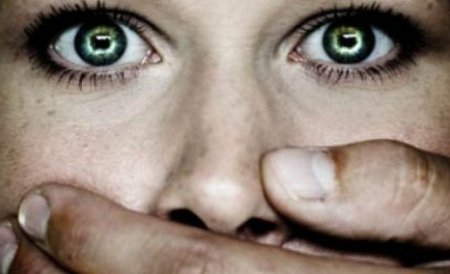 Persoanele violente �n familie ar putea avea interdic�ie de a reveni la domiciliu