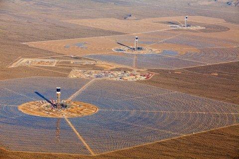 Afacerea viitorului vine din Soare. Unde se află cea mai mare centrală solară din lume şi ce planuri au americanii în acest domeniu