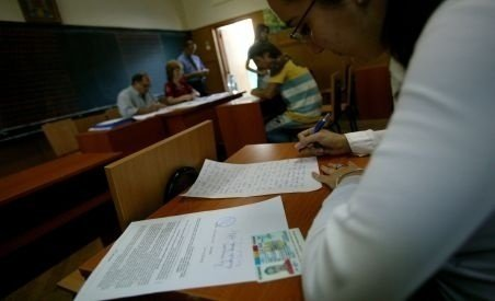 Dezastru la simularea examenului de Evaluare Naţională. Doar 33% din elevi au luat note peste 5 la...