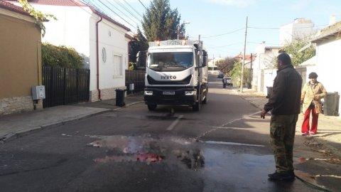 Tragedie în Constanța. O mașină de gunoi a trecut peste două persoane. Una dintre ele a murit...