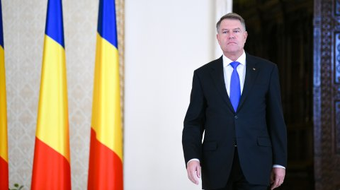 Klaus Iohannis: Problema este că România nu are prim-ministru. Guvernul este condus de infractorul...