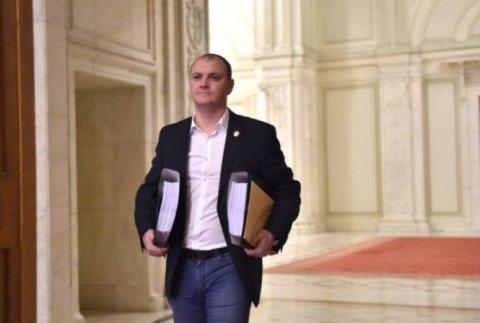 Paradoxul prezentat de Sebastian Ghiţă: Şi eu, şi Poliţia Română spunem adevărul