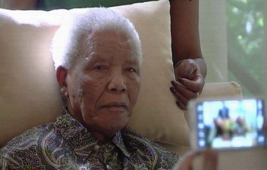 En estado crítico Nelson Mandela