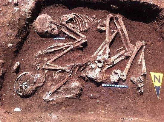 """Descoperirea care i-a impresionat pe arheologii români. Ce au găsit în Judeţul Prahova: """"Datează de acum 5 MILENII"""" 442"""