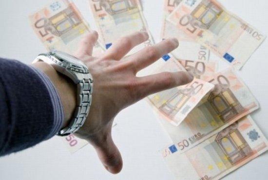 Parlamentarii României câştigă bani frumoşi pe spatele bugetului public. Au contracte cu statul de peste 150 de milioane de euro 407