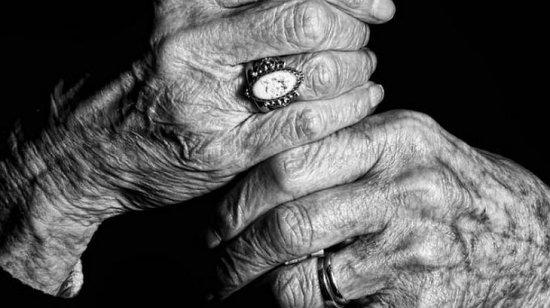 """""""Învăţaţi să vă preţuiţi bătrânii, atâta timp cât îi aveţi printre voi!"""" O seară plină de cântec pentru """"tinerii"""" de vârsta a treia 461"""