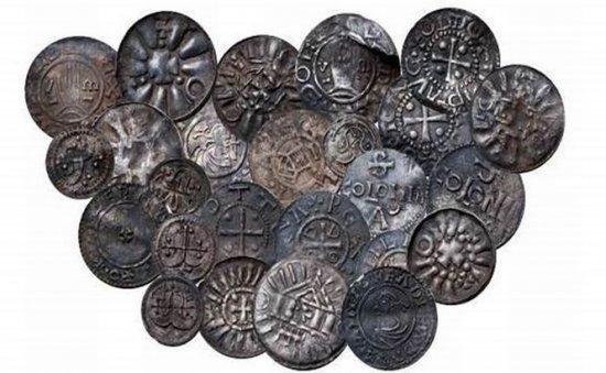 Un puşti danez a găsit o comoară din era vikingilor 479