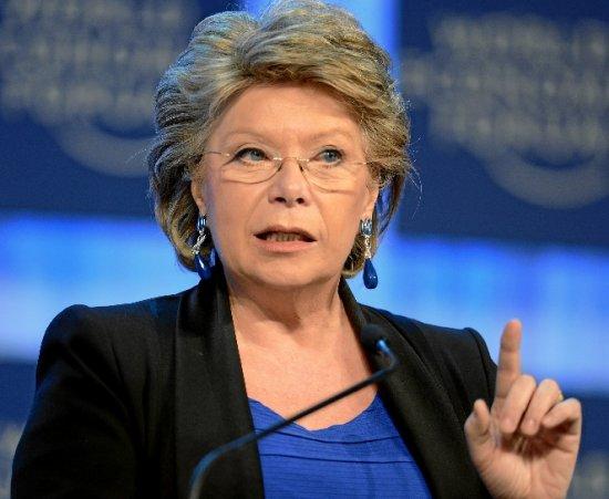 Sinteza zilei: Răspunsul comisarului Viviane Reding privind abuzurile CSM  482