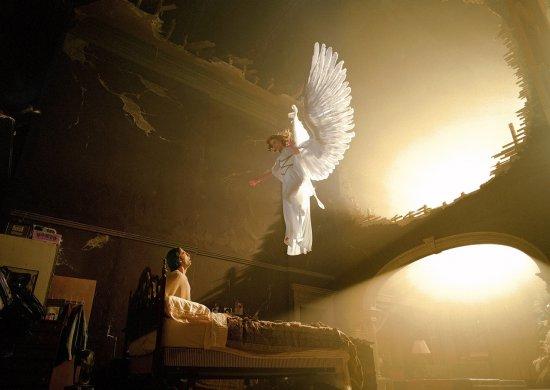 """Omul care vorbeşte LIMBA ÎNGERILOR. """"O fiinţă cerească a venit la mine şi mi-a spus că am darul VINDECĂRII"""" 442"""