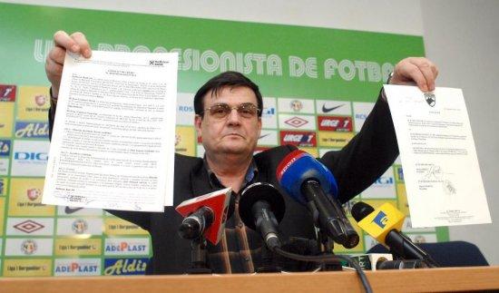 Percheziţii la clubul Pandurii Târgu Jiu. Patronul Marin Condescu, suspectat de spălare de bani, fals şi înşelăciune 482