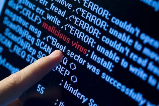 VIRUSUL informatic care BLOCHEAZĂ calculatoarele românilor. Oamenii trebuie să dea bani hackerilor pentru a-şi putea folosi din nou calculatoarele 442