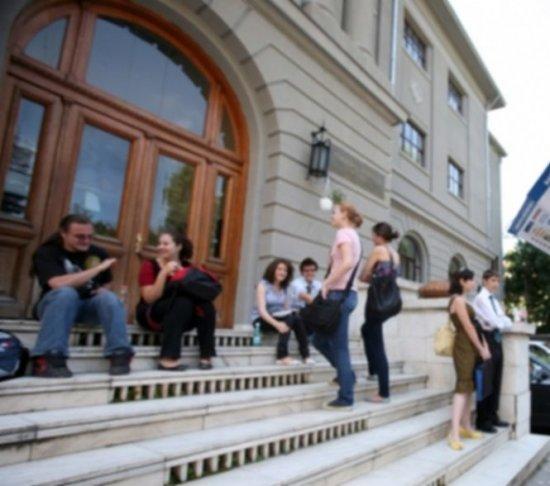 Consiliul Judeţean Covasna sponsorizează cursuri de limbă şi cultură maghiară pentru români 534