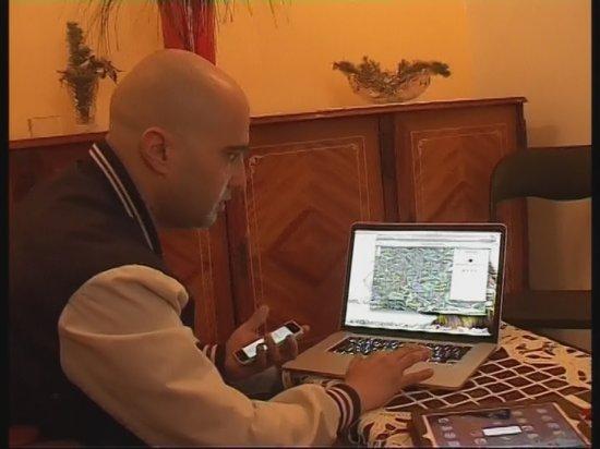 I-au furat tableta unui craiovean, iar el a descoperit coordonatele la care se găsesc hoţii. REACŢIA POLIŢIEI e incredibilă! 442