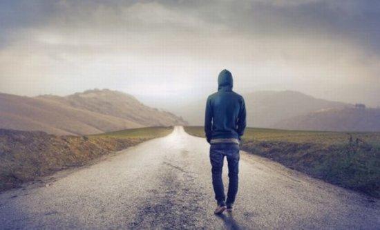 Studiu: Singurătatea poate declanşa schimbări pozitive la nivel comportamental 407