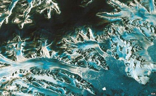 Anunţ important al Agenţiei Spaţiale Europene. Gheaţa din Antarctica se topeşte de două ori mai repede decât credeau cercetătorii. Va creşte nivelul mărilor  407