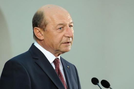 Cererea de demisie a lui Băsescu a fost adoptată 418