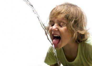 Câtă apă trebuie să bei pe zi? 132