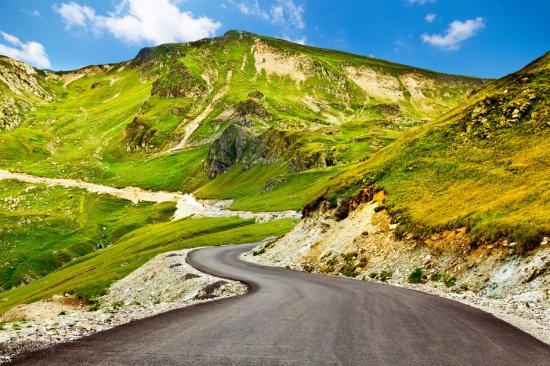 """Zece drumuri de POVESTE din România. """"Când te uiţi în zare ţi se taie respiraţia"""" 442"""