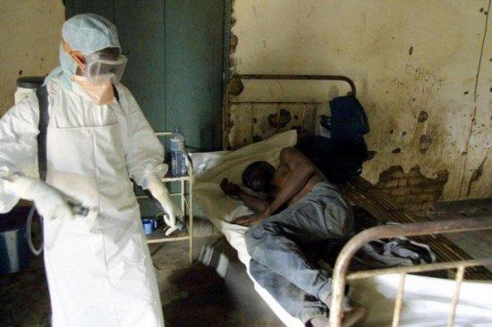 """""""Virusul MORTAL Ebola s-ar putea întinde pe TOATĂ planeta"""". Experţii medicali, în alertă. SUA şi China fac deja pregătiri 442"""