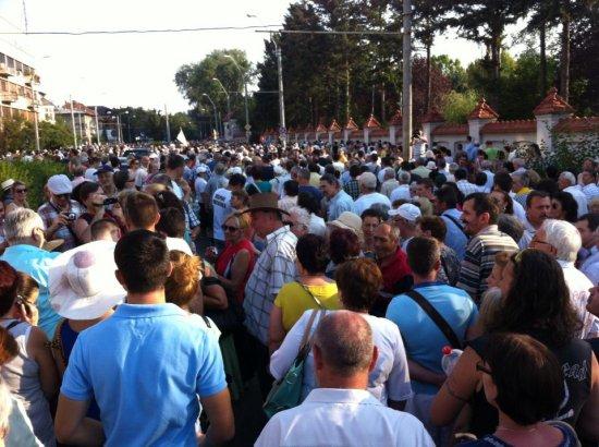 """Mii de români, la PLIMBAREA LIBERTĂŢII. """"Ce se întâmplă aici e un fenomen. Cei care nu înţeleg despre ce e vorba sunt într-o mare eroare"""" 74"""