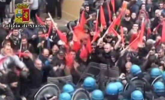Italia. Val de proteste ale sindicaliştilor. Confruntări între poliţie şi manifestanţi la Napoli 405