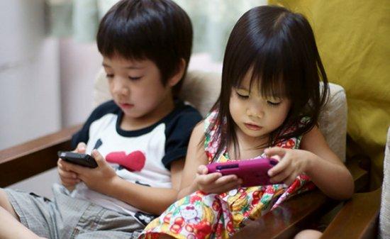 Ce efecte au smartphone-urile asupra creierului copiilor. Rezultatele surprinzătoare ale unui studiu recent 442