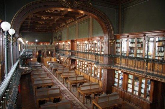 O bibliotecă din România, pe locul II în lume la frumuseţea arhitecturală. Peste 400.000 de oameni au votat 442